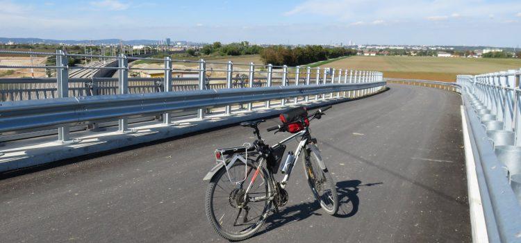 Neue Radbrücke zwischen Hennersdorf und Biedermannsdorf