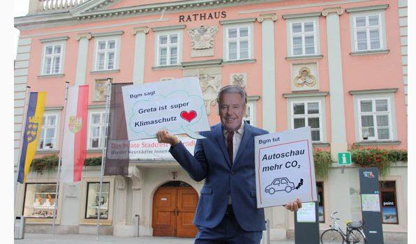 Heißer Herbst für den Klimaschutz <br>Protestaktion gegen Automesse in der Fußgängerzone in Wiener Neustadt <br>13. Sept. 2019