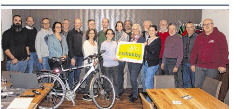 Bericht auf der Titelseite von Tips Enns <br>Neue Radlobby Gruppe gegründet