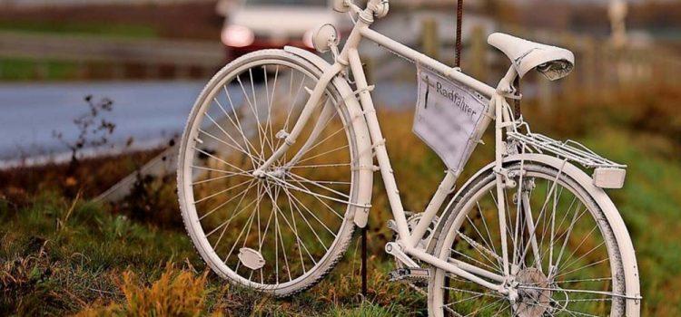 Unfall bei Hausleiten: Ghostbikes zur Erinnerung an die Kinder <br>Ghostbike-Ride ABGESAGT